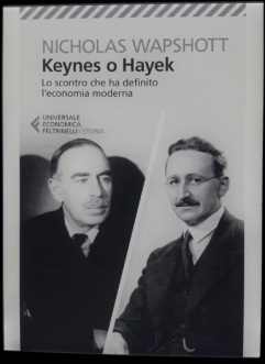 KEYNES_O_HAYEK